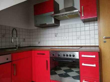 Vollständig renovierte 3,5-Zimmer-Maisonette-Wohnung mit Balkon und Einbauküche in Bochum