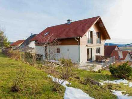 Neuwertiges Einfamilienhaus mit Alpensicht in Gersbach