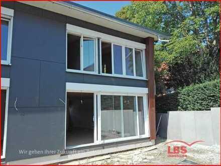 1 Familienhaus (Neubau) als Doppelhaushälfte