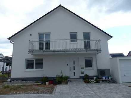 3-Zimmer- Neubauwohnung mit Einbauküche und Balkon in Linkenheim-Hochstetten