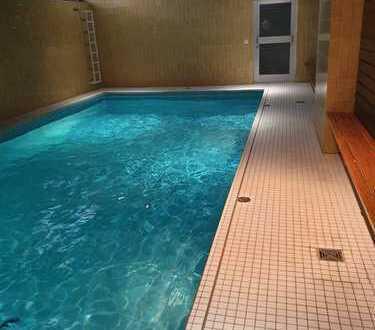 PROVISIONSFREIE,- bezugsfreie, hochwertig renovierte 1 Zimmer-Wohnung im Grünen mit Schwimmbad