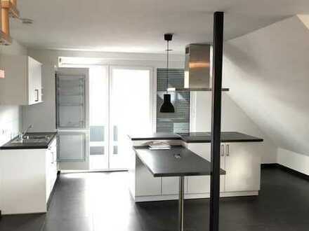 Neuwertige 3-Zimmer-Maisonette-Wohnung mit Balkon in Ammerbuch