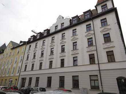Neuhausen-Nymphenburg: Stilvolle hochwertige 3 Zimmer Jugendstilwohnung mit sonnigem Balkon!