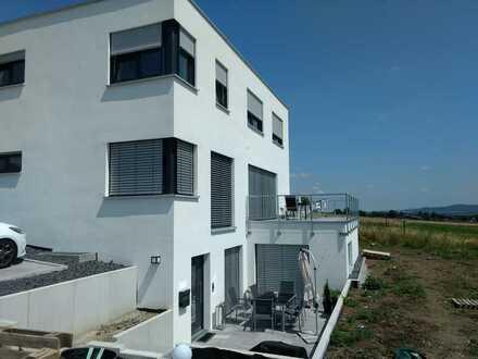 Erstbezug mit EBK und Terrasse: schöne 2,5-Zimmer-Erdgeschosswohnung in Ofterdingen
