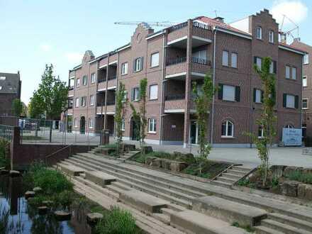 Besondere & gehobene 3-Zimmer-Wohnung mit zwei Balkonen (SW & SO) im 1.OG mitten im Zentrum