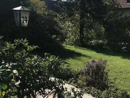 Im Grünen, lauschige, ruhige 3 Zi.-Whg., ca. 110 m² Wohnfläche, mit Terrasse, Garten und Aussenpool