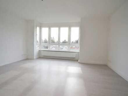 Wie neu! Modernisierte, gut geschnittene Wohnung mit Blick! Südwest-Ausrichtung! MZ-Oberstadt!