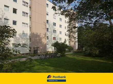 Renovierungsbedürftige 3 Zimmer Wohnung mit attraktivem Grundriss und KFZ-Stellplatz in Germering