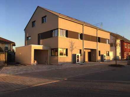Neubau Doppelhaushälfte bei HD in Feldrandlage von Privat zu vermieten
