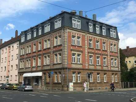 Große Fünf-Zimmer-Wohnung auch für WG zwischen Erlangen und Fürth