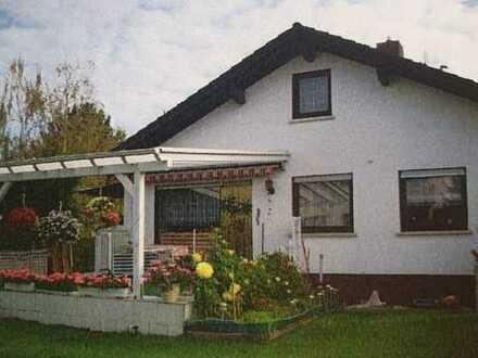 Schönes freistehendes EFH in Bingen-Kempten mit überdachter Terasse und Garten