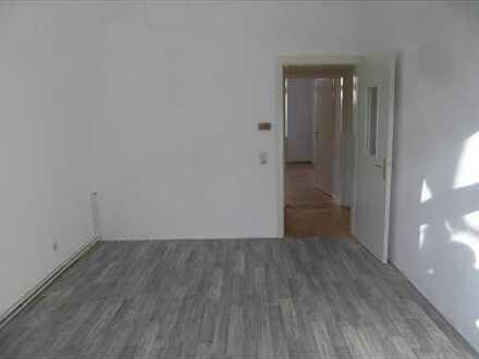 Attraktive, modernisierte 3-Zimmer-Erdgeschosswohnung zur Miete in Bochum