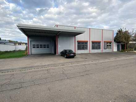 Halle für Produktion und Lager mit integrierten Büroräumen