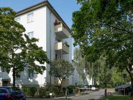 Wohnung zur Kapitalanlage*sehr gut vermietet*Berlin Spandau*Superschnitt*2 Zimmer*Balkon