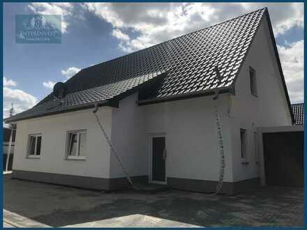 **Erstbezug** Doppelhaus mit sonniger Terrasse sucht neue Mieter!