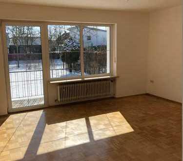 Familienfreundliche 4-Zi.Whg, 92 qm, OG, Balkon, Garten, Garage in 85051 Ingolstadt - Unsernherrn