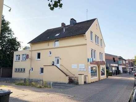 Alexanderstraße! Bezugsfreie 2 ZKB Dachgeschosswohnung zentral gelegen!