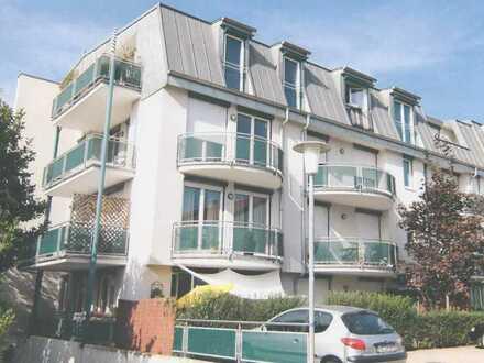 Großzügige 1-Zimmer-Studio Wohnung mit Einbauküche und Terrasse in Dossenheim