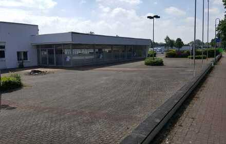 Ehemaliges Autohaus nahe Autobahn A1
