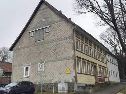 Mehrparteienhaus im Zentrum von Zellerfeld