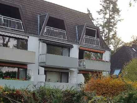 Vollständig renovierte 3-Zimmer-Hochparterre-Wohnung mit Balkon, Einbauküche, Garage in Oberneuland