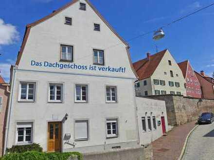 Mitten in der Altstadt! Ehemalige Gaststätte und Büro / Wohnung mit großer Dachterrasse