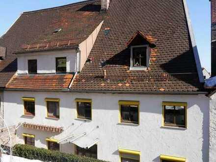 * Provisionsfrei * Altstadthausteil/Wohnung über 3 Ebenen mit eigenem Garten