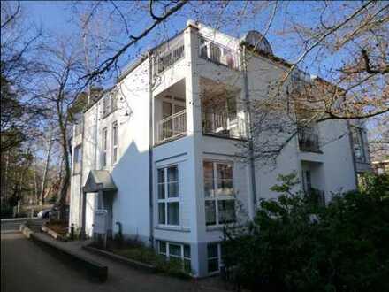 Maisonette-Wohnung mit Balkonen und EBK in Wannsee
