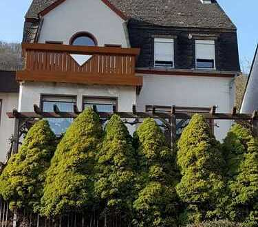 Geräumiges Wohnhaus mit Moselblick