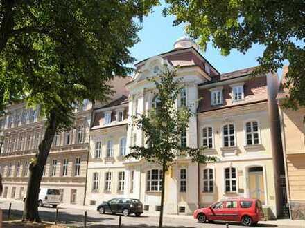 Bild_Elegante, großzügige 5-Raum-Wohnung in repräsentativem Türmchenhaus