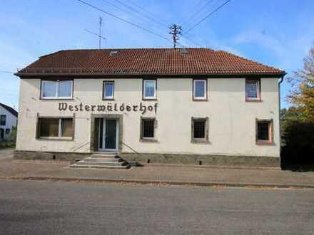 ehemalige Gaststätte mit großer Wohnung am Ortsrand