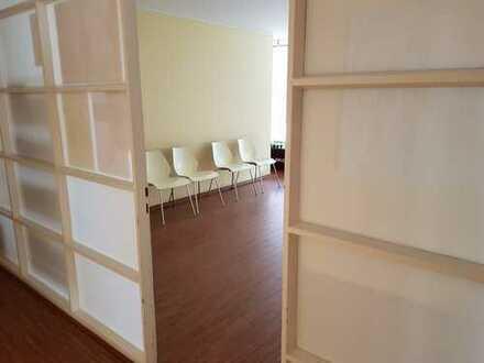 245 m² Praxisfläche in etabliertem Ärztehaus am Weidener Einkaufszentrum