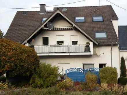 Helle 3-Zimmer-Erdgeschoss-Wohnung mit Terrasse