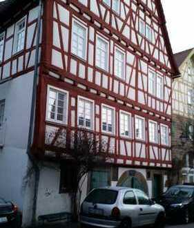 Schöne 6 Zimmer Wohnung in altem Fachwerkgebäude