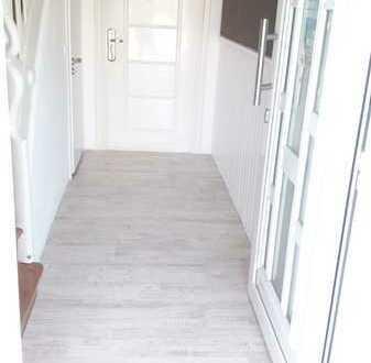 Erstbezug nach Sanierung: Helle 92 qm 3-Zimmer-EG-Wohnung mit Terrasse in Eisenheim