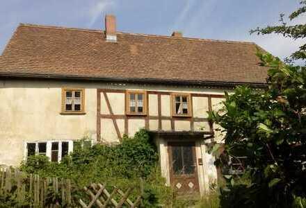 Dorfhaus in idyllischer Lage mit Panoramablick für Selbstrenovierer! 2 Monate Mietfreiheit!