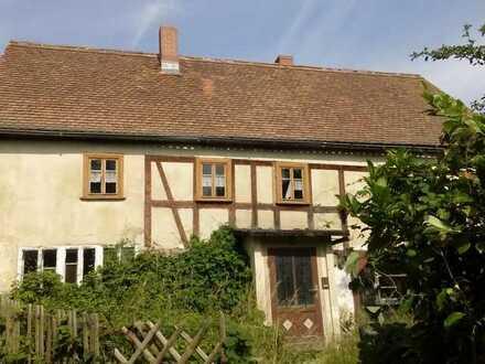 RESERVIERT! Dorfhaus in idyllischer Lage mit Panoramablick für Selbstrenovierer! 2 Monate mietfreih!