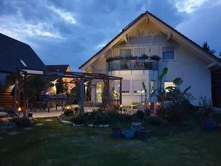 Gepflegtes Ein-/Zweifamilienhaus mit großem Garten