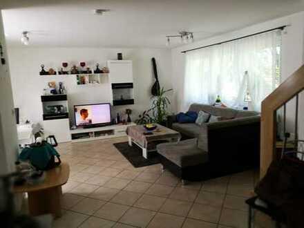 Stilvolle 3,5-Zimmer-Maisonette Wohnung in Bahnhofsnähe (Herrenberg-Gültstein)