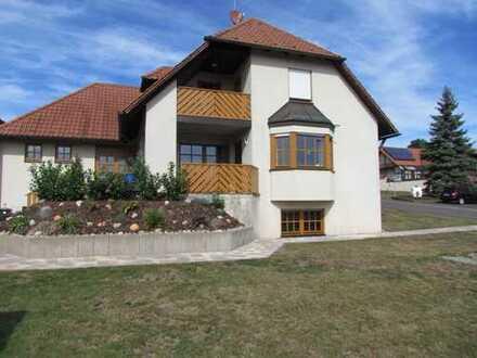 Sehr schönes, gepflegtes Wohnhaus mit Fußbodenheizung und Garage in Geiselwind