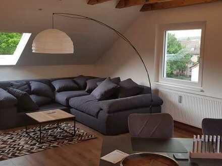 Neuwertige 2-Zimmer-Dachgeschosswohnung mit EBK in Schweinfurt