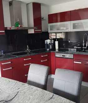 Exklusive, neuwertige 2-Zimmer-Maisonette-Wohnung mit Einbauküche in Metzingen