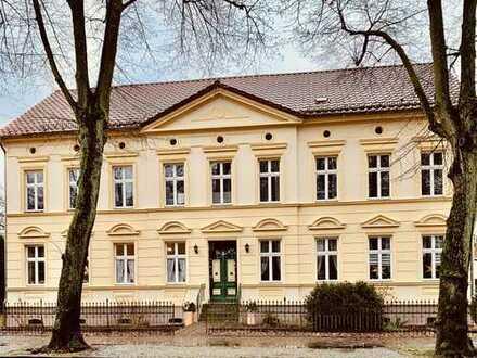 Nette WG: Wohnen im wundervollen Jugendstilhaus