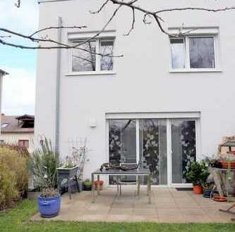 Exklusive 4,5 Zimmer Maisonette Wohnung mit Garten in Bad Friedrichshall.