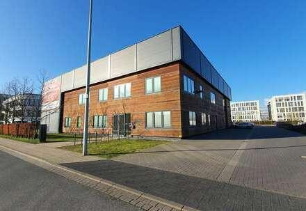 Mehrzweckhalle - Büro oder Schulung mit moderner Hallenfläche