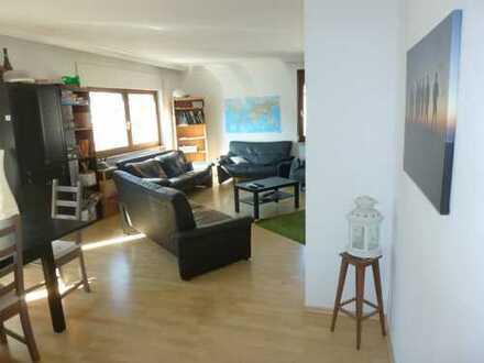 Freundliche 4-Zimmer-Wohnung mit Balkon und EBK in Göppingen