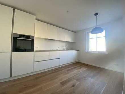 Erstbezug nach Sanierung: stilvolle 2-Zimmer-Wohnung mit EBK und Balkon in Darmstadt