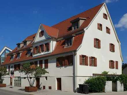 //Gutshaus Ehningen //3,5-Zimmer //Einbauküche //Balkon //Kamin //Hobbyraum //Unikat