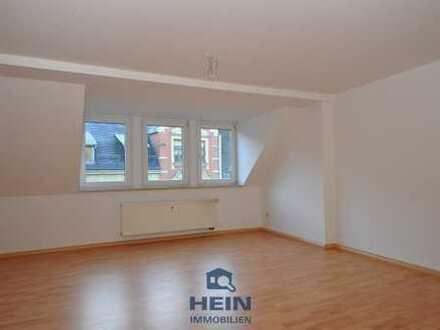 Renovierte 2-Raumwohnung im Dachgeschoss in zentrumsnaher Lage