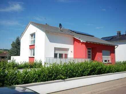 Exklusive Terrassenwohnung in einem 3-Familienhaus